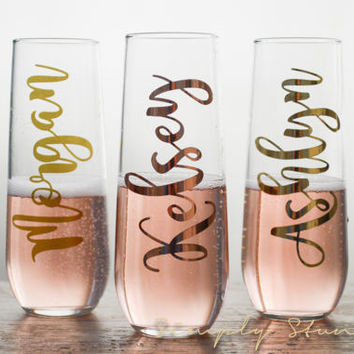 8 Personalized Champagne flutes, Bridesmaid gift, Matron of honor, wedding party, Bridal Party, Bridesmaid, Wedding, celebrate