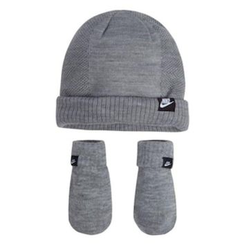 ONETOW Baby Boy Nike Gray Beanie & Mittens Set | null