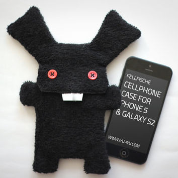 Fluffy Cellphone Case for iPhone 5 & Galaxy S2 - Fellfische - Bad Bunny