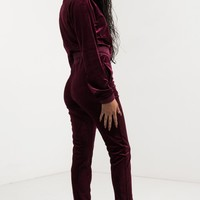 AKIRA Stretchy Waist Slim Fit Cuffed Velour Track Pants in Burgundy