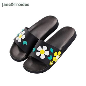 Fashion Online Summer Home Bathroom Shower Woman Slippers Floral Cute Lovely Thicken Antiskid Flip Flops Fashion Women Outdoor Shoes