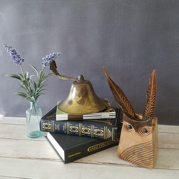 Large Brass Bell/ Wall Mounted Bell/ School Bell/ Dinner Bell/ Farmhouse Bell/ Vintage Bell/ Antique Bell/ Rustic Brass Bell/ Ships Bell