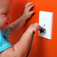 Safety Baby Self-Closing Outlet Covers - An Alternative To Socket Plugs - 3 pack