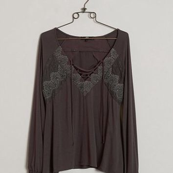 BKE BOUTIQUE LACE-UP TOP