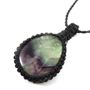 Fluorite macrame necklace, rainbow fluorite pendant, free spirit necklace, gift for girlfriend, healing stone, boho fluorite choker, Pisces
