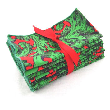 11 Christmas Napkins Red Green Acanthus Leaves Cotton Print 15x16
