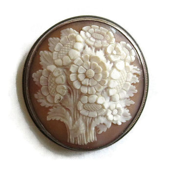 Vintage Antique Silver Setting Victorian Carved Shell Flower or Floral Cameo Brooch or Pendant