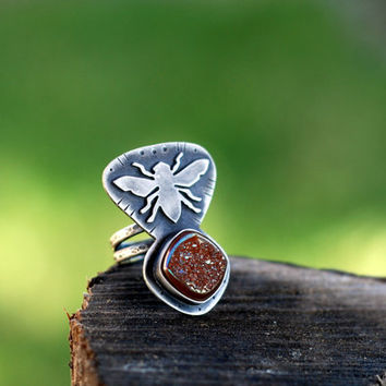 Bee Ring. Bumble bee. Sterling stone. Druzy Titanium Agate. Peach Druzy. Peach Crystal. Size 7 rings. Square Stone. Honey Bee. Insect