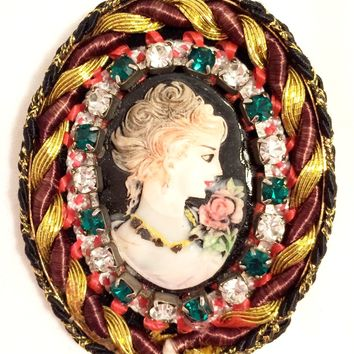 Cameo Pin Brooch Authentic Vintage Jewelry