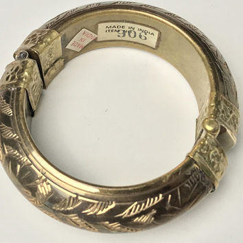 Incredible Antique Etched Brass Hinged BANGLE / Large Chunky Textured Boho Statement Bracelet / Secures with Pin / Vtg INDIA Signed Jewelry