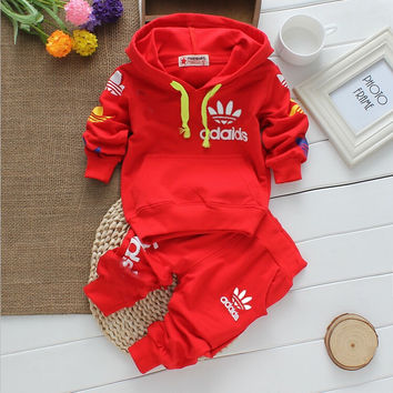 2017 new arrival High quality baby boys&girls clothes baby tracksuit brand sport sets long sleeve+pants 2pcs Christmas infant
