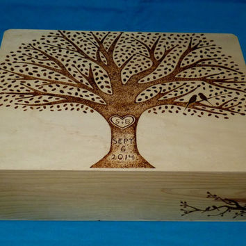 Decorative Rustic Wood Burned Wedding Box Custom Suitcase Wooden Wedding Tree Keepsake Card Trunk Personalized Love Birds Gift Carved