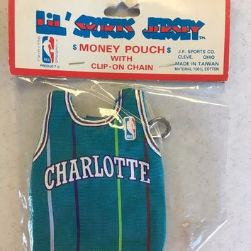 VINTAGE CHARLOTTE HORNETS COIN POUCH BACKPACK ACCESSORY KEYCHAIN SHIPPING