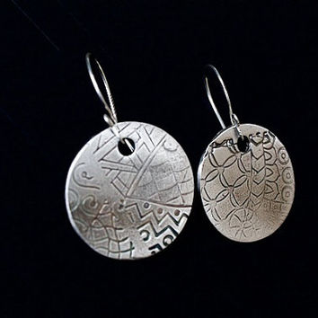 Silver small disc earrings, Everyday drop earrings