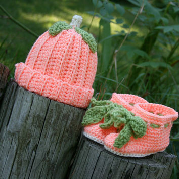 Baby booties and beanie hat Peach themed crocheted by scraptrapped