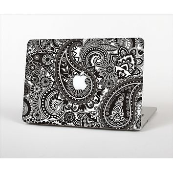 The Black & White Paisley Pattern V1 Skin Set for the Apple MacBook Pro 15""