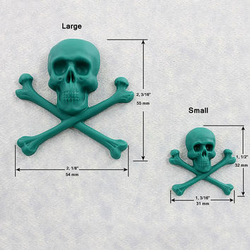 Skull and Crossbones Silicone Mold Mould Resin Polymer Clay Fondant Chocolate (337)