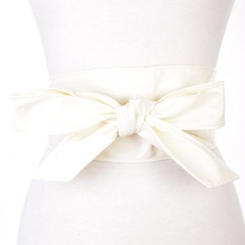 White Faux Leather Bow Accent Waist Belt