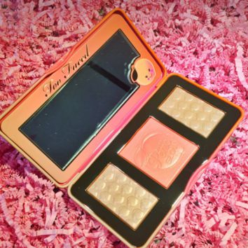 Too Faced Sweet Peach Glow Highlighting Blush Palette