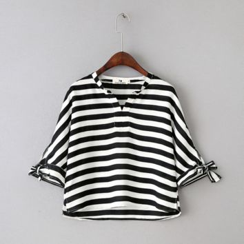 Black and white striped  loose chiffon T-shirt  B0016407
