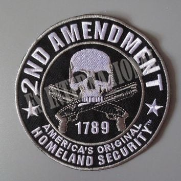 skull with double guns 2ND AMENDMENT Embroidery Patches for Jacket Back Vest Motorcycle Club Biker 10.2cm