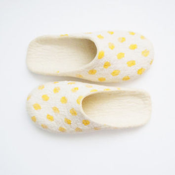 Felted woman slippers. Yellow polka dot