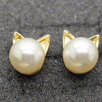 Pearl Cat Earrings - Gold