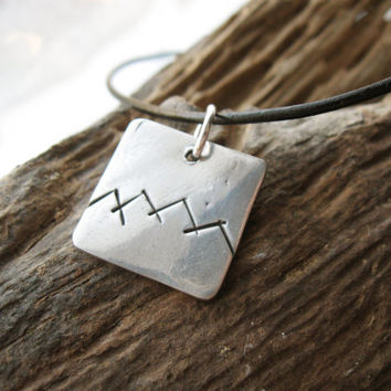 Mountain range necklace in silver, geometric mountains - outdoor, nature, hiking, mountain climbing, hand carved
