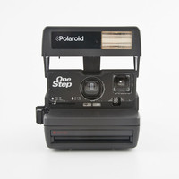 Polaroid 600 OneStep Instant Film Camera - Tested - Working vintage 80s Polaroid 600 film