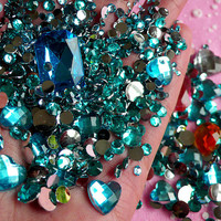 AQUA BLUE Rhinestones Mix (2mm 3mm 4mm 5mm 6mm 10mm) Round and Heart Faceted Rhinestones Cabochons Mix (Over 1000 pcs) RHM012
