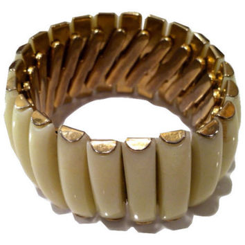Hong Kong signed EXPANDABLE Thermoplastic ivory colored plastic elastic bangle