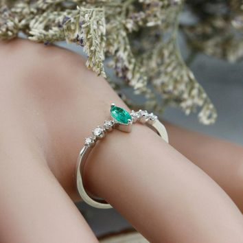 Marquise Cut 0.15ct Natural Emerald Gemstone 18k Rose Gold Vintage Style Diamond Accents Promise Engagement Ring