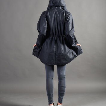 Best Women's Hooded Raincoats Products on Wanelo