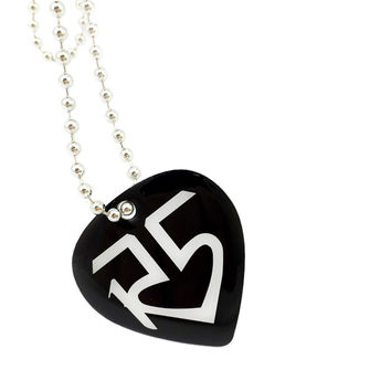 "1PC Heart Shape R5 Family Aluminum Dog Tag Necklace with 24"" Ball Chain"