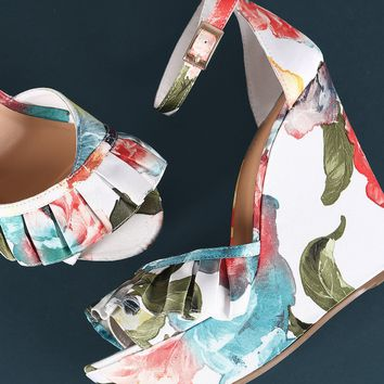 Bamboo Ruffle Floral Print Ankle Strap Platform Wedge