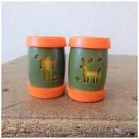 Vintage 70s Mini Souvenir Salt Pepper Shaker Orange Green Labre Indian School Montana