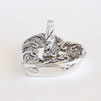 GODINGER Silver Plated Heart and Flowers Ring Jewelry Holder