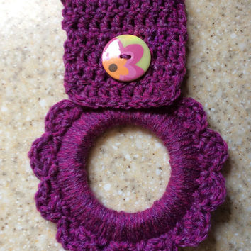 Kitchen towel hanger, oven towel hanger, button towel hanger, towel holder, party favor, crochet towel hanger, handmade, dish towel hanger,