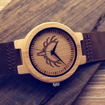 New Engraved Wolf Head Handmade Wooden Wristwatch Fine Jewelry Quartz Watches Men with Leather Strap in Gift Box