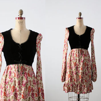 vintage 70s dress / romantic floral and velvet dress / small
