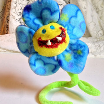 Creepy Toy, Monster Flower, Biting Creature, Halloween Prop, Altered Toy, Bloody Grin, Spooky Decor, Creepy Doll, Haunted Toys