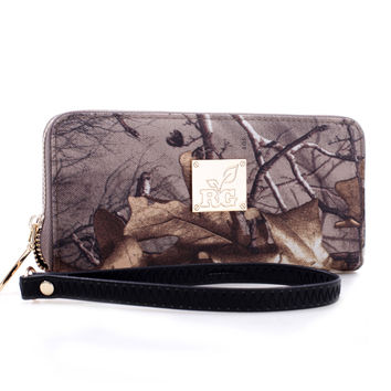 Realtree Girl® Zip-Around Camoflauge Wallet with Wristlet Strap