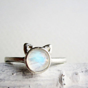 White Cat Ring Rainbow Moonstone and Sterling by EveryBearJewel