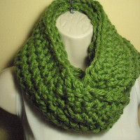 Green Cowl Infinity Circle Scarf Neckwarmer Extra Thick Extra Bulky
