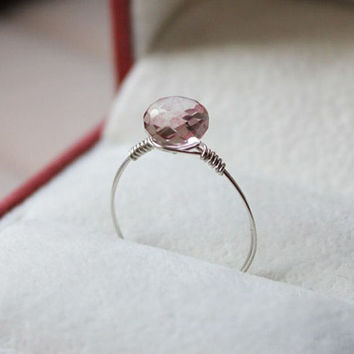 quartzite ring,handmade ring, pink lilac ring,mother daughter ring,goldclad wire,delicate ring,crystal,natrual stone jewelry,quartz jewelry
