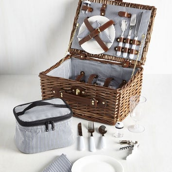 Have a Date Day! Picnic Basket | Mod Retro Vintage Decor Accessories | ModCloth.com