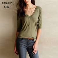 Fashion Star Womens Brand Tees Casual Loose Tops New Solid Color Three Quarters Slit V Neck Casual Streetwear Women T-shirts