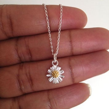 Sterling Silver Daisy Necklace, Floral Necklace, Floral Jewelry Gift UK Shop