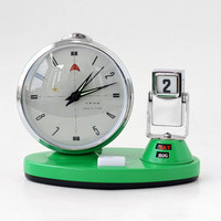 Vintage Mechanical Alarm Clock with Flip Calendar - Date, Day & Month // Made in China // Green Silver Manual Winding Clock - 70s
