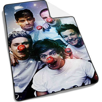 Cute One Direction on Galaxy Blanket